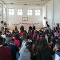 """Il Vescovo di Molfetta in visita alla scuola media  """"Giaquinto """""""