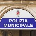 Due agenti della Polizia Locale di Molfetta in servizio a Terlizzi