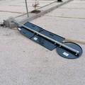 Forte vento a Molfetta, cede un palo nel nuovo parcheggio di Piazza Garibaldi