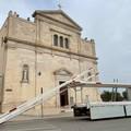 Iniziato oggi a Molfetta il montaggio delle luminarie per la festa patronale