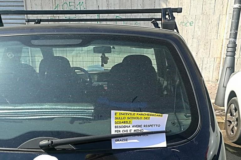 Biglietti contro gli incivili al Lungomare