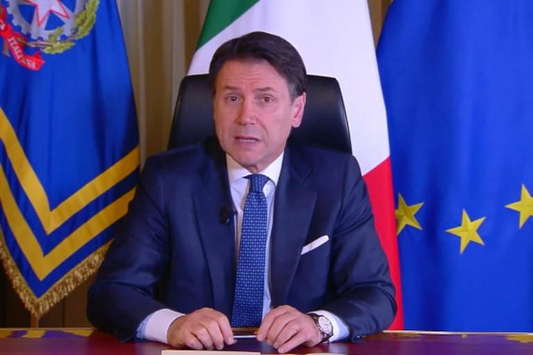 Giuseppe Conte annuncia la chiusura totale delle attività