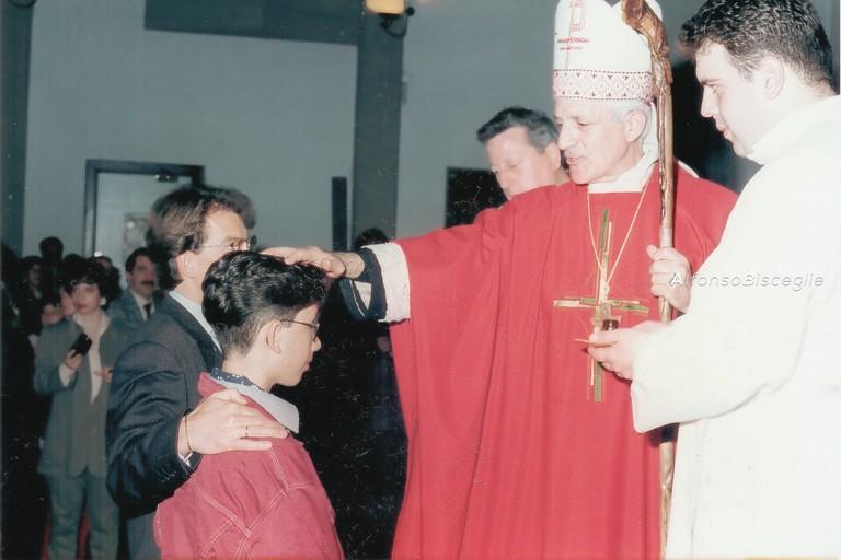 Insegnate ai bambini a fare bene il segno della croce