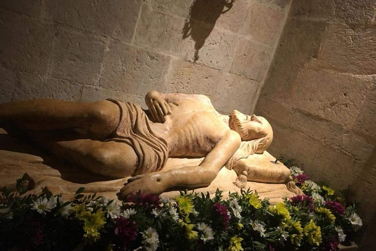 Sepolcro ( foto Basilica Madonna dei Martiri)