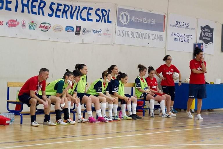 Alessandra de Bari allenatore della Nox Molfetta. Nel suo staff confermati Spadavecchia, Marino e Allegretta