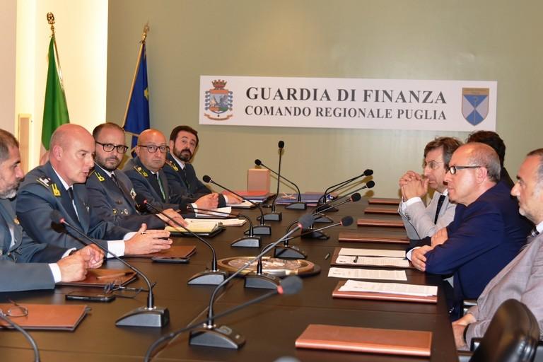 La convenzione tra la Guardia di Finanza e l'Arpa Puglia