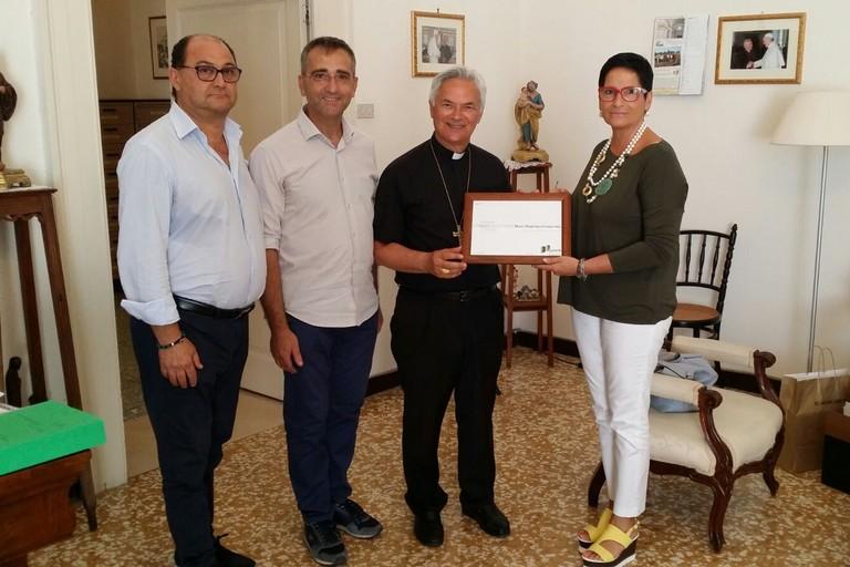 Il Vescovo e i referenti Ass. Imprenditori