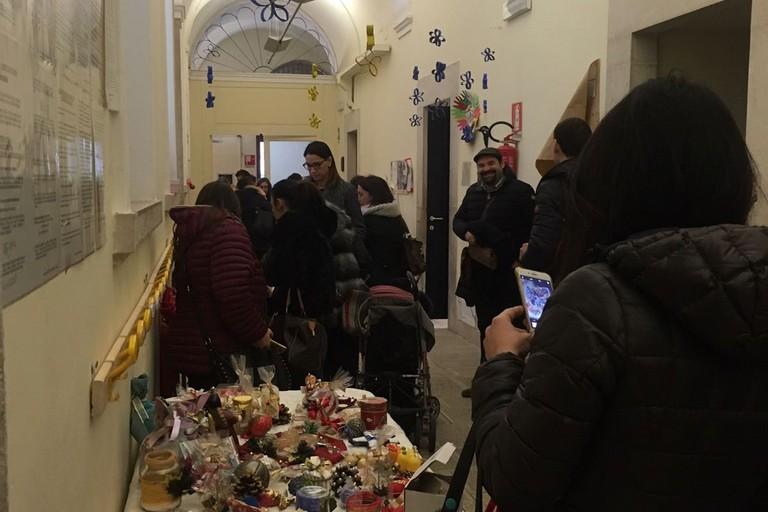 """Mercatino di Natale alla scuola """"Carnicella"""": raccolti circa 1000 Euro"""