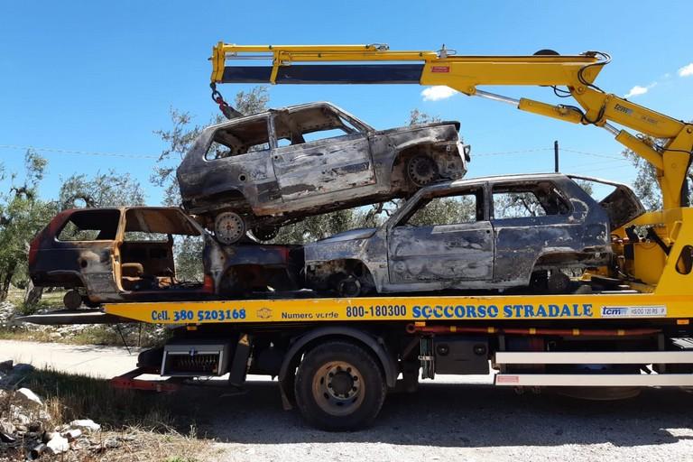 Le tre Fiat Panda recuperate dalla Polizia Locale