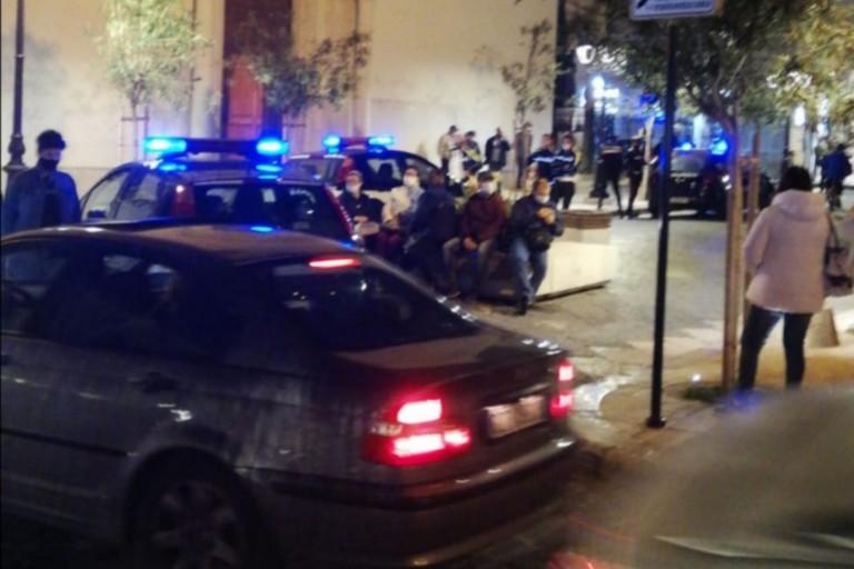 L'intervento di Carabinieri e Polizia Locale