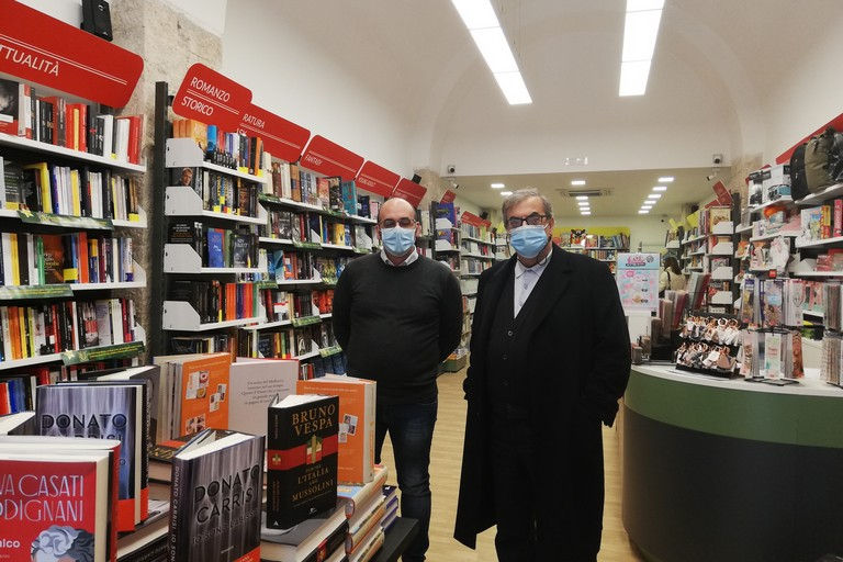Apertura Mondadori Bookstore