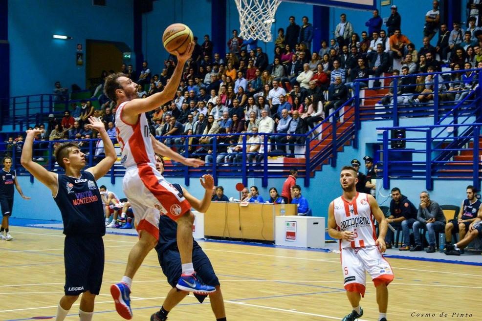 Poule promozione la pallacanestro molfetta all 39 esame brindisi - Immagini stampabili di pallacanestro ...