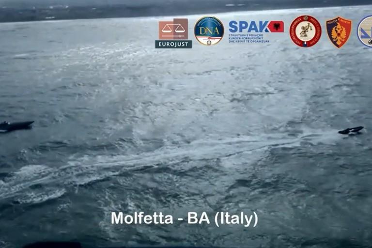 Un inseguimento in mare a Molfetta