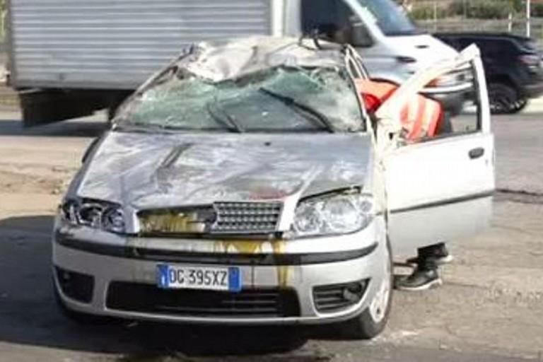 L 39 auto dei pendolari finisce fuori strada morto un 56enne - Punto casa molfetta ...