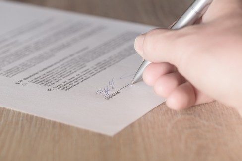 E' possibile disconoscere una firma da un documento?