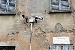 Come cambia la videosorveglianza privata: possibile riprendere anche la strada