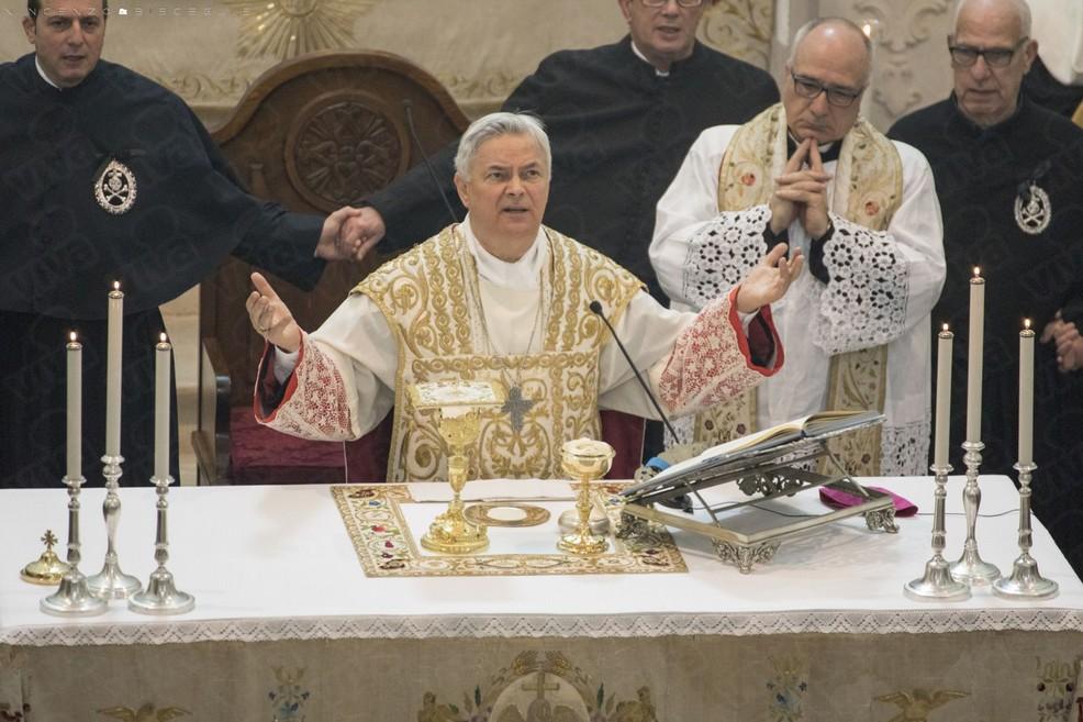 Mons. Domenico Cornacchia (Foto Vincenzo Bisceglie)