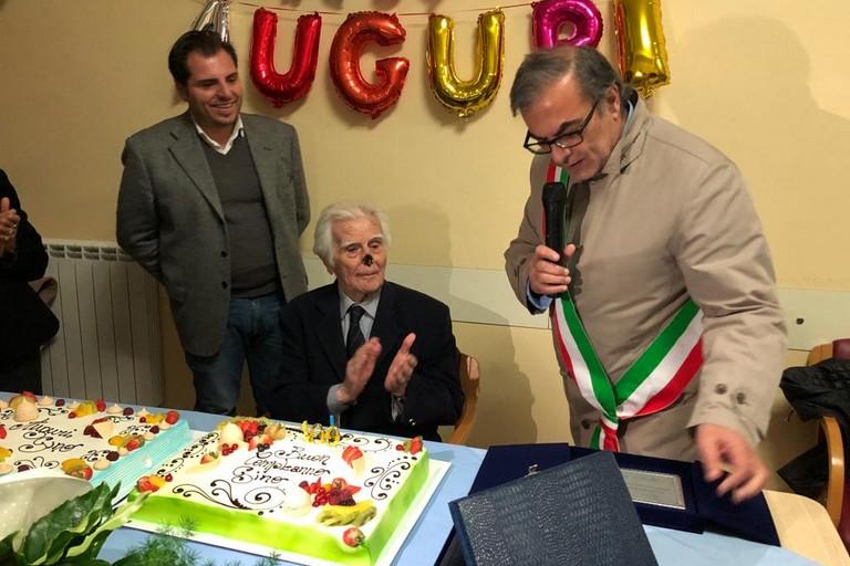 Molfetta e il Consorzio Metropolis festeggiano i 100 anni del signor Luigi