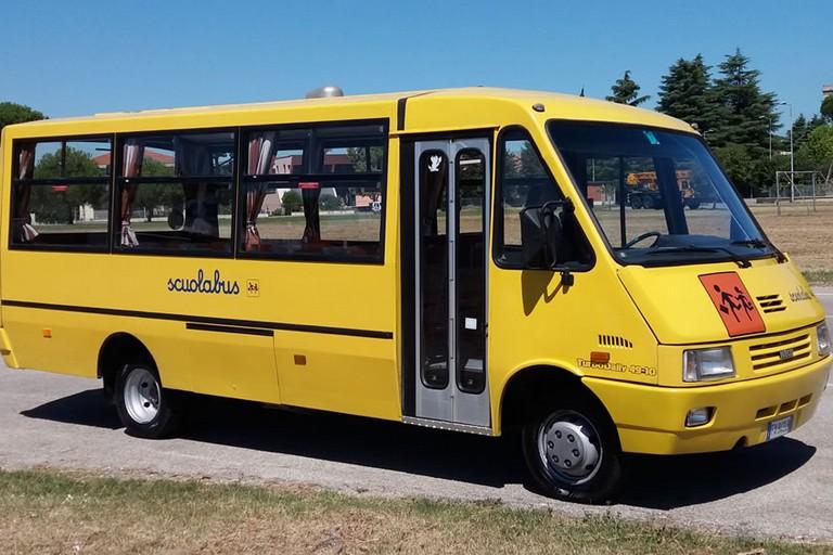 scuolabus immagine di repertorio