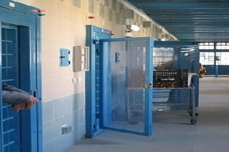 Rivolta nel carcere di Melfi: 11 arresti. Coinvolto un molfettese