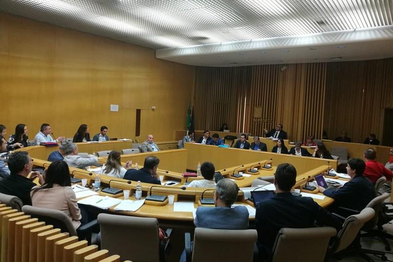 """Nessun aumento per la """"spazzatura"""", ok al piano di zona e al bilancio di previsione: approvati dal Consiglio Comunale di Molfetta"""
