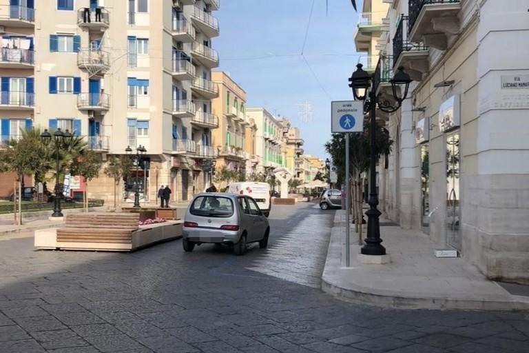 Auto su Corso Umberto